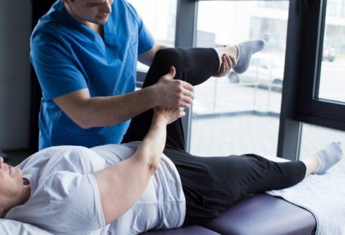 太もも 膝 検査